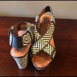 Lucky Brand Koko Wedge Platform Sandals